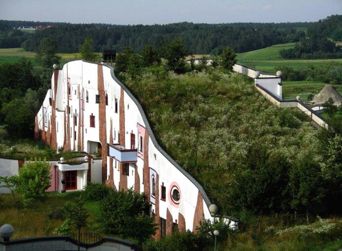 Hundertwasser- Thermal Village Blumau Austria
