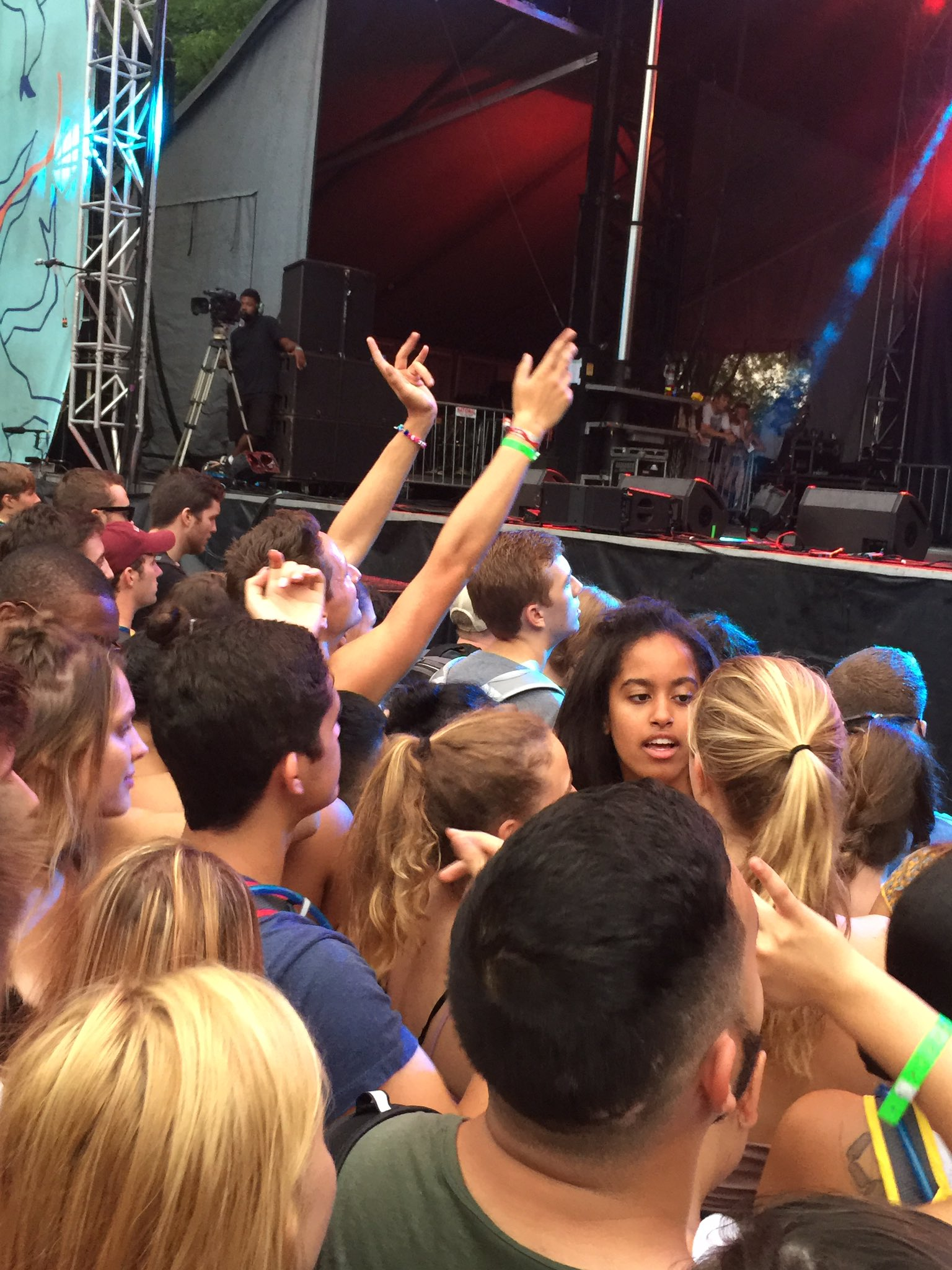 Malia Obama Lollapalooza Stage Dancing - Cashmere Cat, Max Miller Concert, Skips DNC