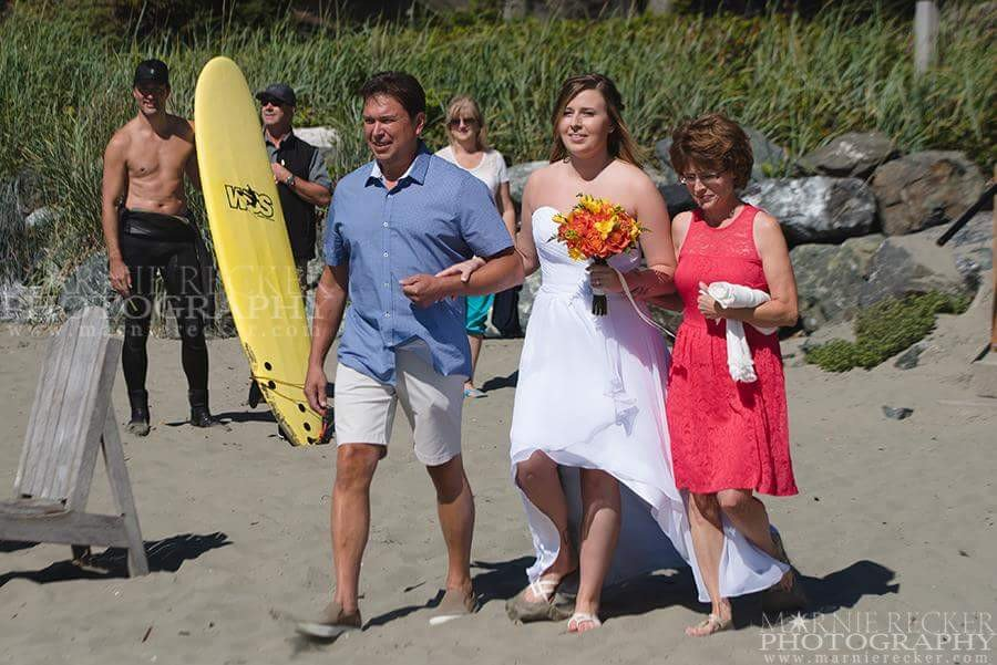 Justin Trudeau Shirtless on British Columbia Beach: Crashes Wedding Photos in Tofino, British Colombia