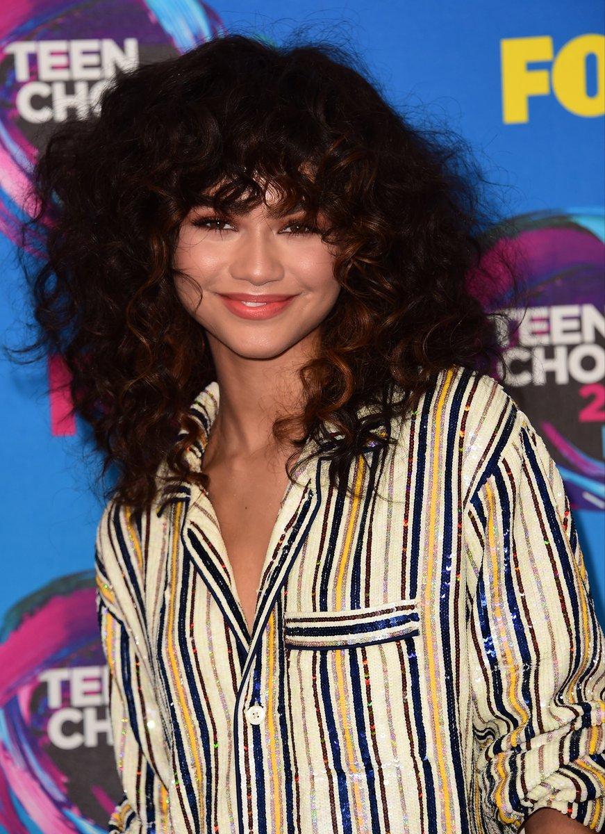 Teen Choice Awards 2017: Zendaya Acceptance Speech, Charlottesville statement
